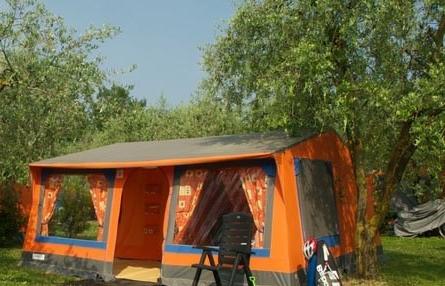 Bungalowtent Camping44, Loro Piceno, Le Marche, Italië